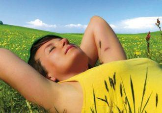 Die Hitze imn Sommer macht Frauen oft zu schaffen