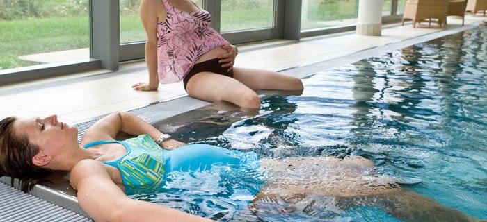 Auch schwanger können Frauen in eine Therme gehen