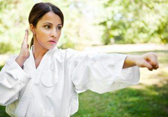 Tipps zur Selbstverteidigung für Frauen