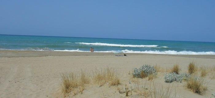 Georgioupolis ist ein Ort auf Kreta mit einem berühmten Strand